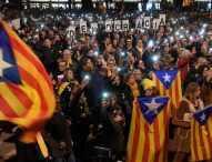 Хиляди протестираха в Барселона заради делото срещу каталунските политици