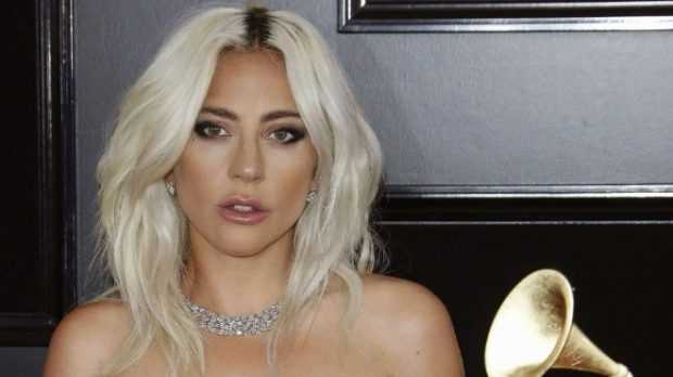 """Раздадоха наградите """"Грами"""", Лейди Гага грабна 3 статуетки"""