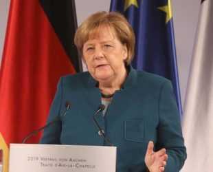 Меркел призова и Китай да бъде включен в усилията за глобално разоръжаване