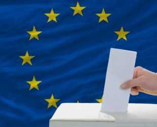 Анализатори: Проевропейските партии ще се нуждаят от широка коалиция в бъдещия Европарламент