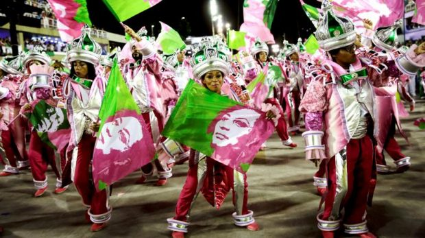 Школа с политическо послание спечели самба състезанието на карнавала в Рио