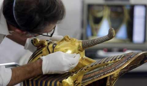 Съкровищата на Тутанкамон се излагат в Париж