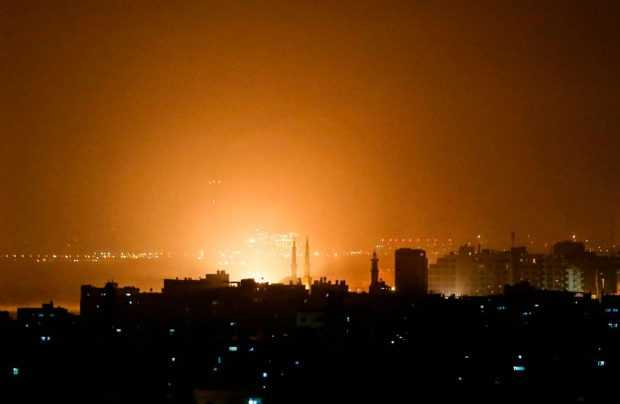 Израел нанесе удари по Газа след изстрелването на ракети срещу Тел Авив
