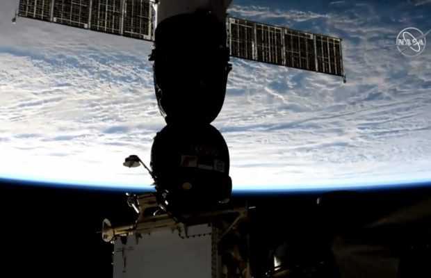 """Руският космически кораб """"Союз МС-12"""" се скачи успешно с МКС"""