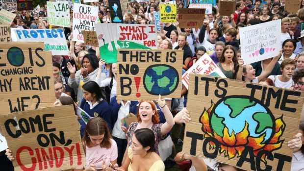 Ученици в над 100 страни излязоха на стачка в защита на климата