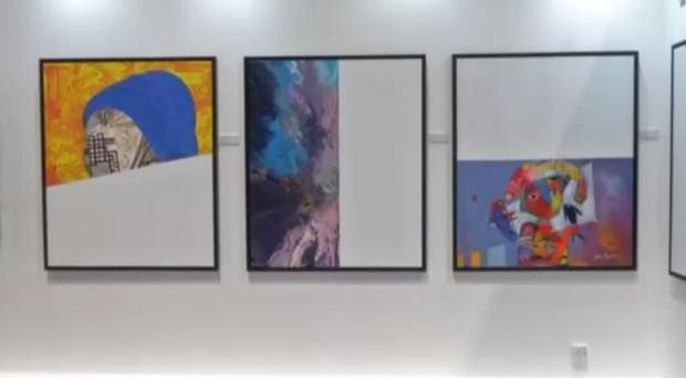 """""""Половин"""" изкуство за половин заплата – изложба срещу по-ниското заплащане за жените"""