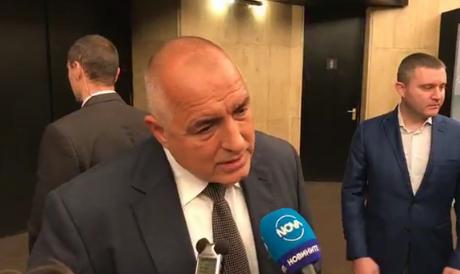 """За Борисов евролистата на БСП връща времето на Тройната коалиция и кабинета """"Орешарски"""""""
