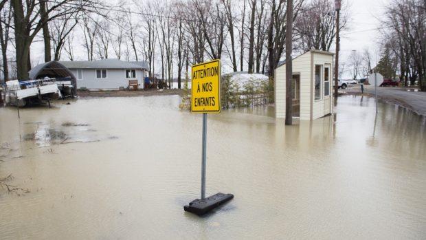 Тежки наводнения в източната част на Канада взеха жертва