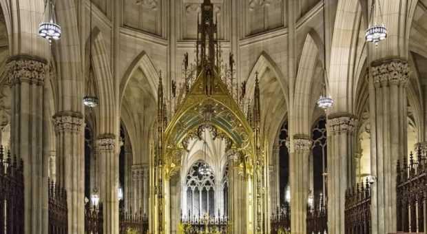 """В Ню Йорк задържаха мъж, опитал да подпали катедралата """"Свети Патрик"""""""