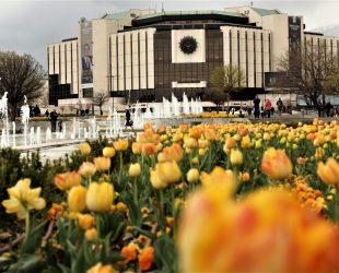 Софийската опера изнася част от представленията си пред НДК