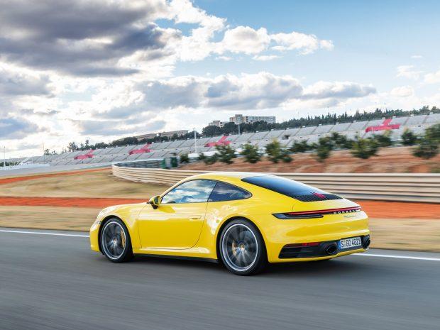 Тест на икона – новото поколение на Porsche 911 – 992 и Lamborghini Huracan Evo