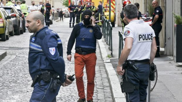 Експерти: Експлозията в Лион е опит за терористичен акт
