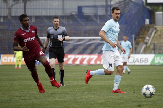 Септември почти докосва спасение в елита след 1:0 над Дунав в Русе