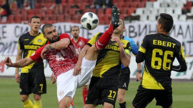 ЦСКА-София победи с 1:0 Ботев Пд., но остана на второто място в Първа лига