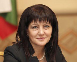 Караянчева: Нямаме претенции към датата на изборите