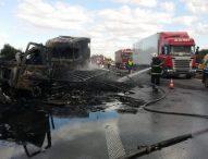 """Тежкотоварен автомобил е изгорял на магистрала """"Тракия"""""""