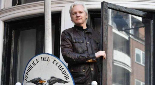 Джулиан Асанж ще бъде екстрадиран в САЩ