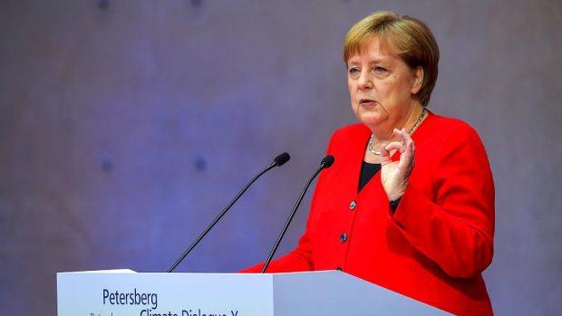 Меркел поиска нулеви въглеродни емисии в Германия до 2050 година