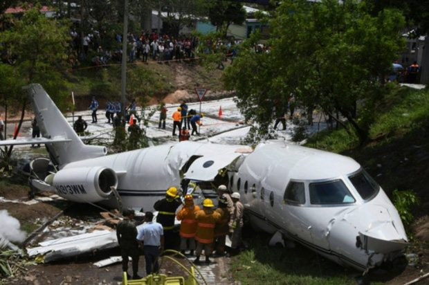 Тежка самолетна катастрофа в Хондурас