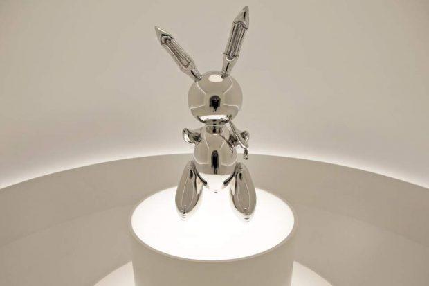 "Продадоха скулптурата ""Заек"" на Джеф Кунс за 91.1 млн. долара – рекорд за жив творец"