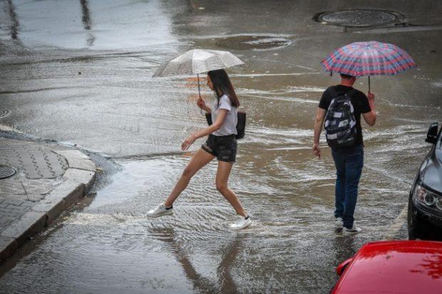 52 сигнала в столицата след поредния проливен дъжд