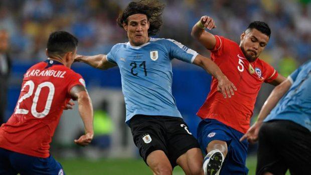 Уругвай се наложи над Чили и завърши първи в групата си на Копа Америка