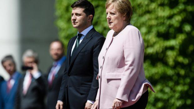 Меркел: Санкциите срещу Русия ще се отменят, когато Крим бъде върнат на Украйна