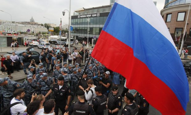 Стотици арестувани в Москва на протест срещу полицейските своеволия