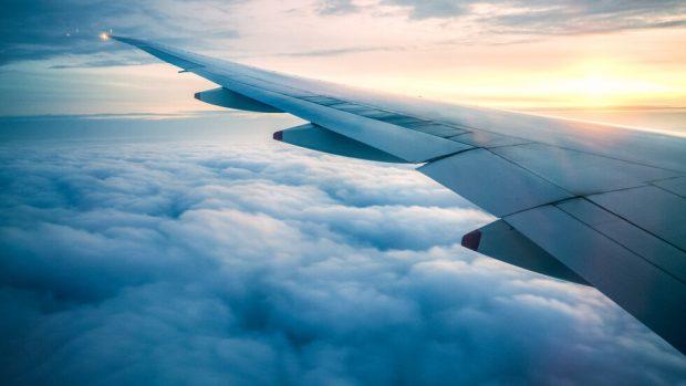 ЕС си постави за цел съкращаване на вредните емисии от авиацията с 10%