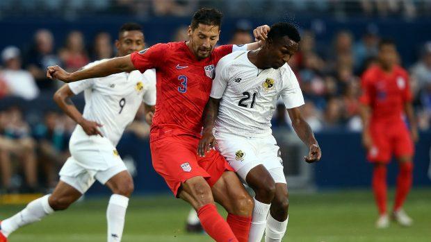 """САЩ победи с 1:0 Панама и спечели групата в турнира """"Голд къп"""""""