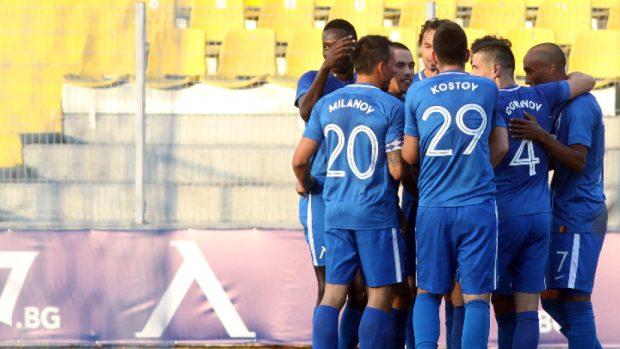 Левски продължава напред след нова победа с 2:0 над Ружомберок