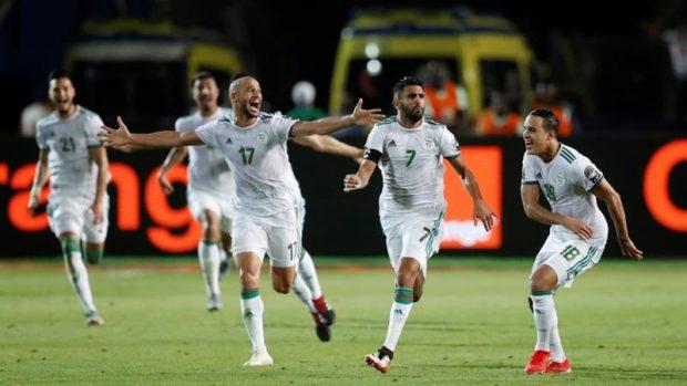 Късен гол на Риад Марез прати Алжир на финал
