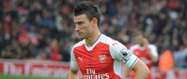 Капитанът на Арсенал бойкотира тима