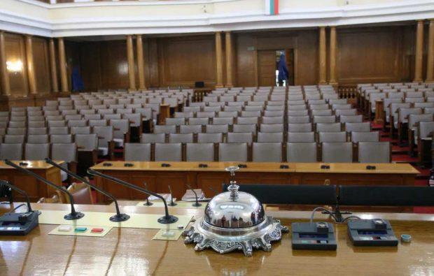 Депутатите ще разискват кадровото обезпечаване в здравеопазването