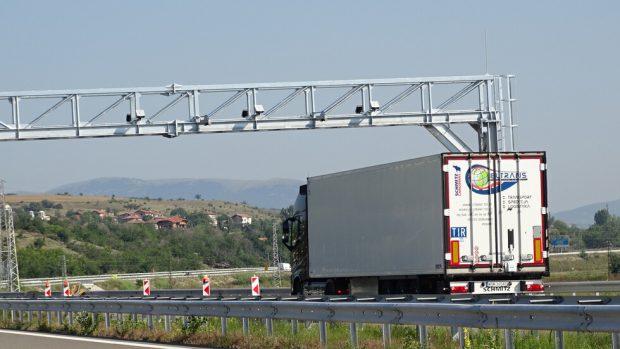 АПИ: 28 430 български камиона вече са регистрирани и се таксуват при преминаване по платените пътища