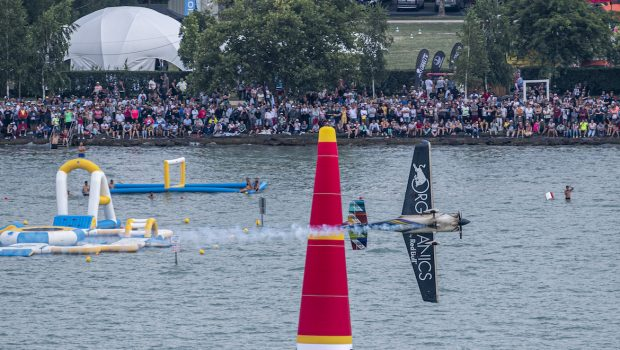 Австралиец спечели поредния кръг от Red Bull Air Race