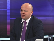 "Защо БСП нарича ""сговор"" коректността на Станишев към Борисов?"