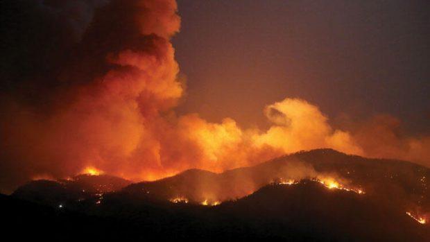 Огромен пожар в южната турска провинция Мугла