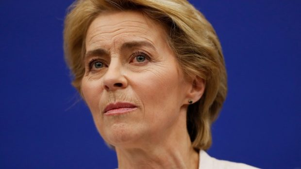 Урсула фон дер Лайен заяви, че ЕС не иска твърд Брекзит