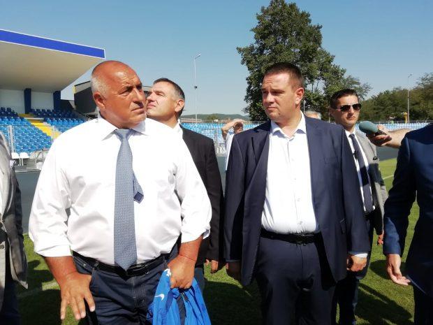 Борисов инспектира ремонта на стадиона в Кърджали