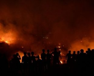Пожар изпепели цял квартал в Дака, 50 000 души останаха без подслон