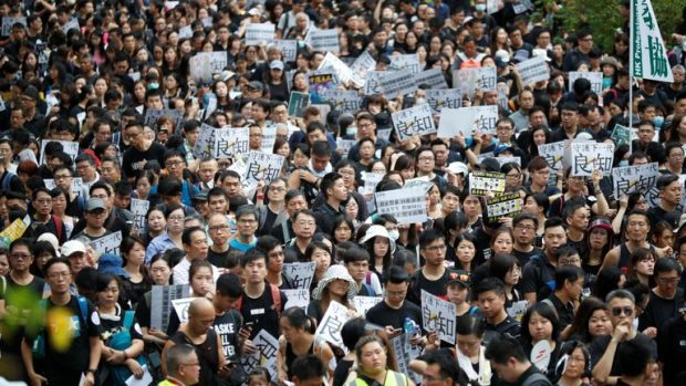 Пореден уикенд на протести в Хонконг