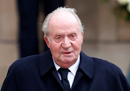 Испанският крал Хуан Карлос влиза в болница