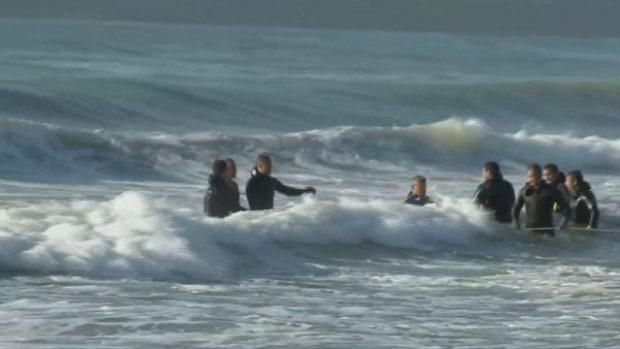 Продължава издирването на 14-годишното момиче, което изчезна в морето във Варна