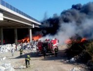 """Две обвинения получи собственикът на депото за отпадъци горяло под магистрала """"Струма"""""""