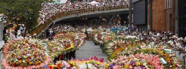 Традиционен фестивал на цветята в Колумбийския град Меделин