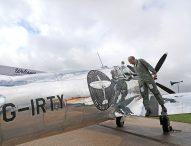 Британци се отправиха на околосветски полет със 76 годишен изтребител