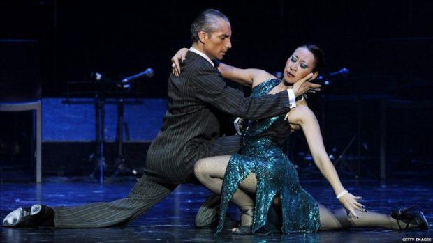 Горещи танци на международно състезание по танго