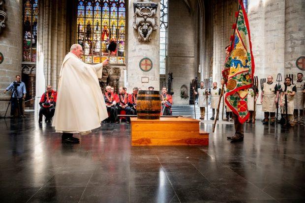 Белгийски пивовари отдадоха почит на своя покровител Свети Арнолд