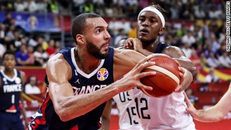 Франция детронира САЩ след победа с 89:79 на световното в Китай